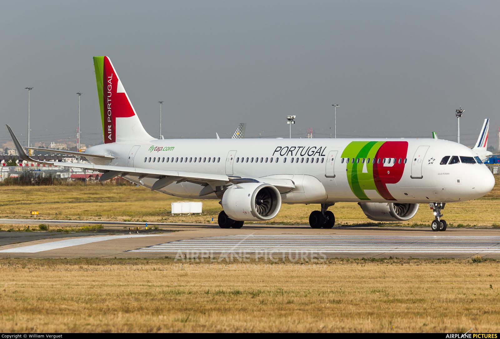 TAP Portugal CS-TJI aircraft at Paris - Orly
