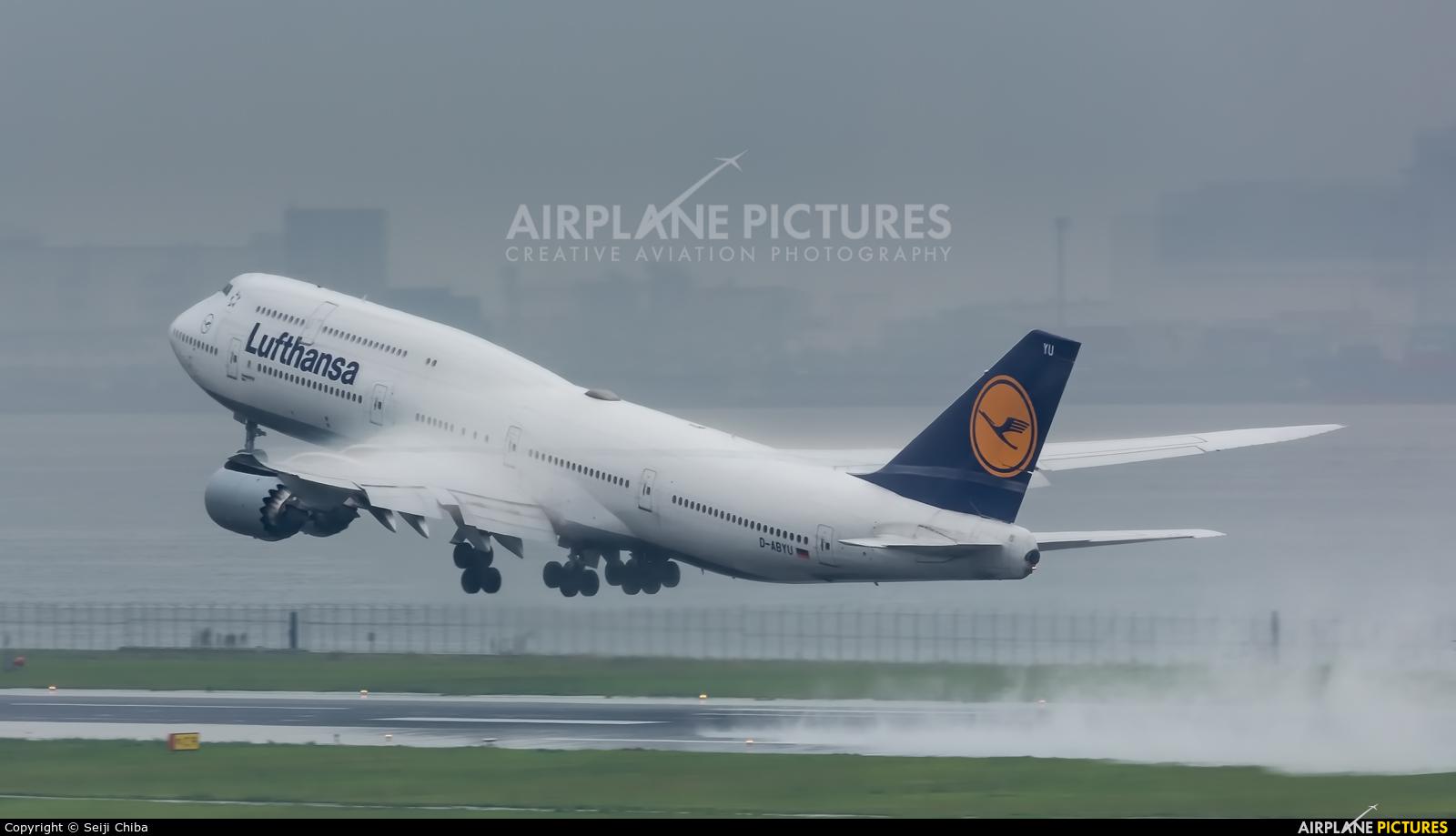 Lufthansa D-ABYU aircraft at Tokyo - Haneda Intl