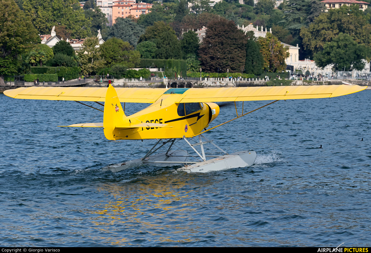 Private I-GEGE aircraft at Como Idroscalo