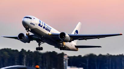 VP-BAI - UTair Boeing 767-200
