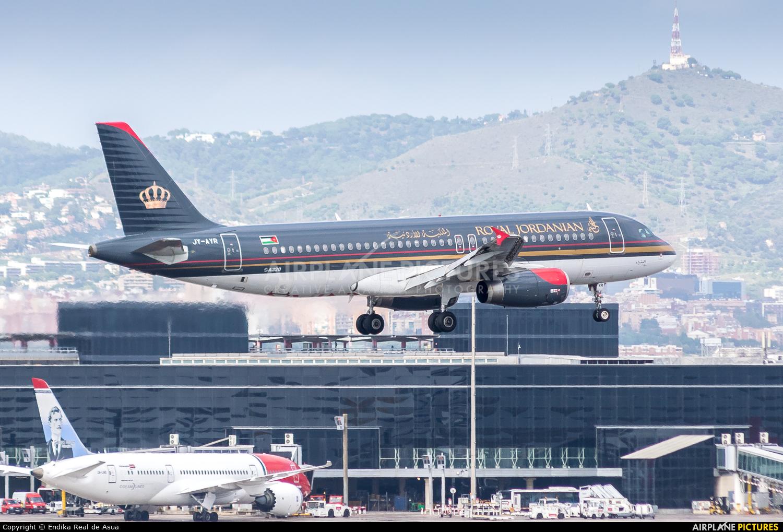 Royal Jordanian JY-AYR aircraft at Barcelona - El Prat