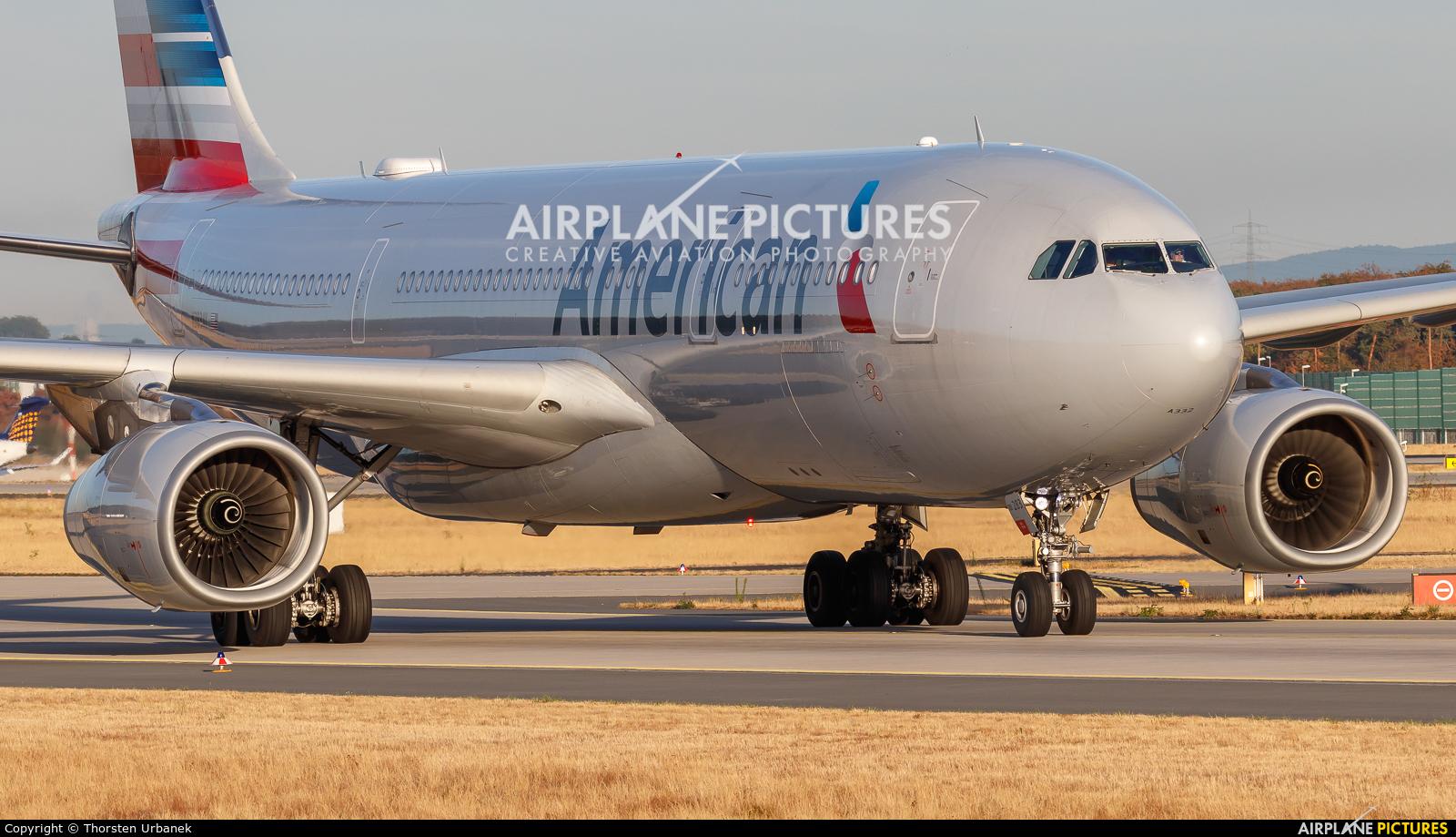 American Airlines N283AY aircraft at Frankfurt