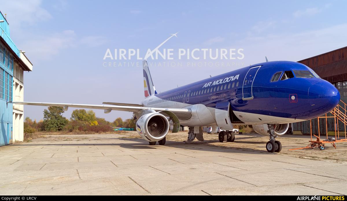 Air Moldova ER-AXV aircraft at Craiova