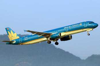 VN-A350 - Vietnam Airlines Airbus A321