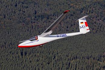 D-7505 - Private Glasflugel 205 Club Labelle