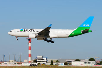 F-HLVM - LEVEL Airbus A330-200