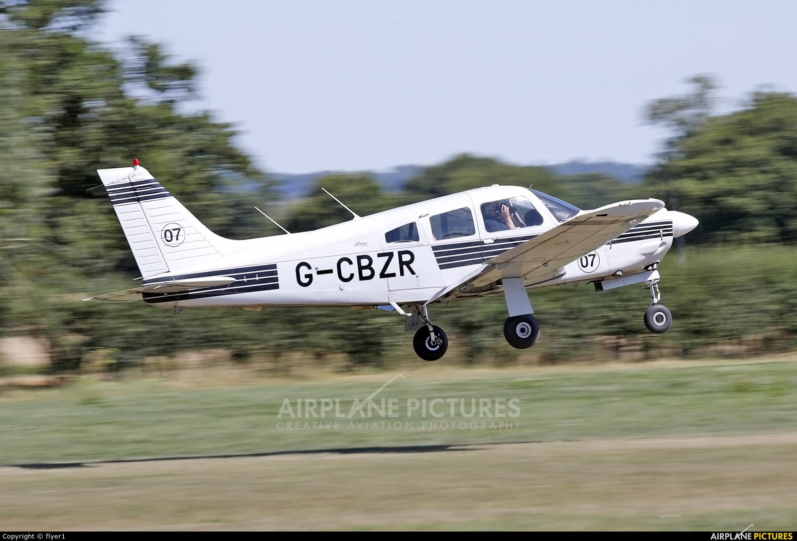 Private G-CBZR aircraft at Lashenden / Headcorn