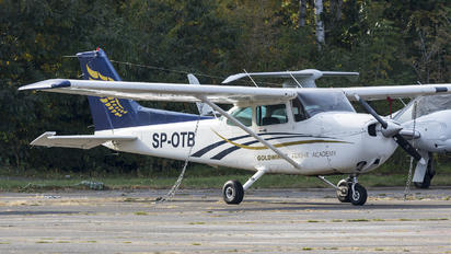 SP-OTB - Private Cessna 172 Skyhawk (all models except RG)