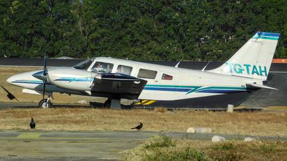 TG-TAH - Private Piper PA-34 Seneca