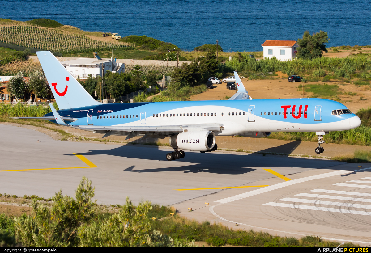 TUI Airways G-OOBG aircraft at Skiathos