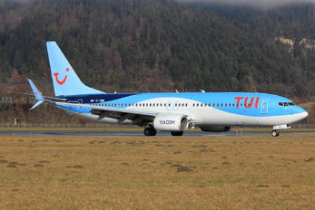 G-TAWI - TUI Airways Boeing 737-800