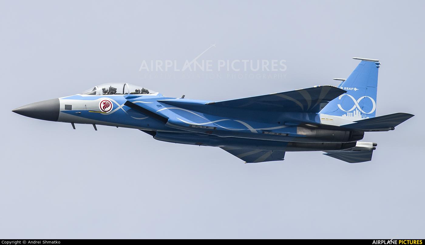 Singapore - Air Force 8335 aircraft at Singapore - Changi