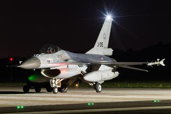#1 Netherlands - Air Force General Dynamics F-16AM Fighting Falcon J-015 taken by Kris Christiaens