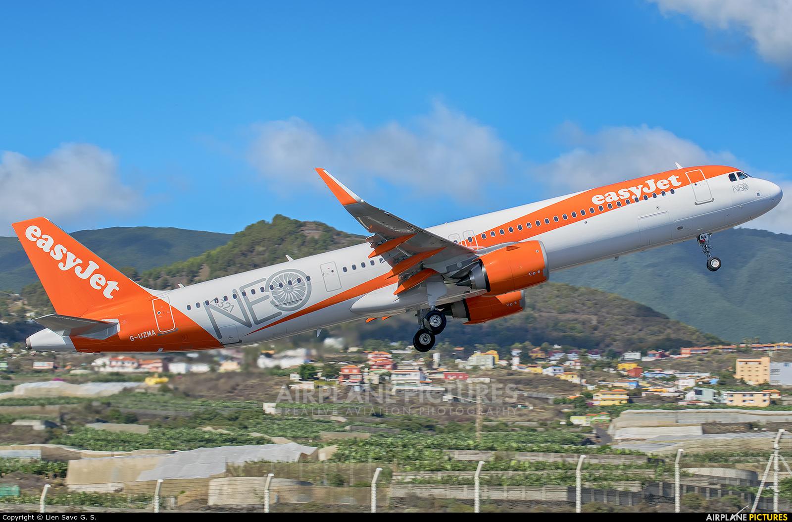 easyJet G-UZMA aircraft at Santa Cruz de La Palma