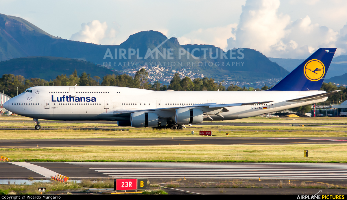 Lufthansa D-ABYS aircraft at Mexico City - Licenciado Benito Juarez Intl