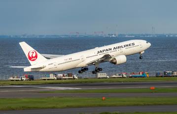 JA009D - JAL - Japan Airlines Boeing 777-200