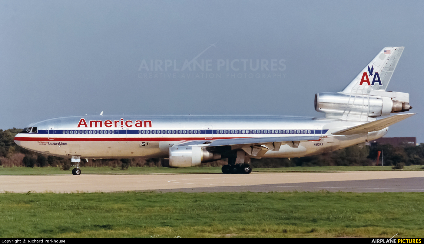 American Airlines N163AA aircraft at London - Gatwick