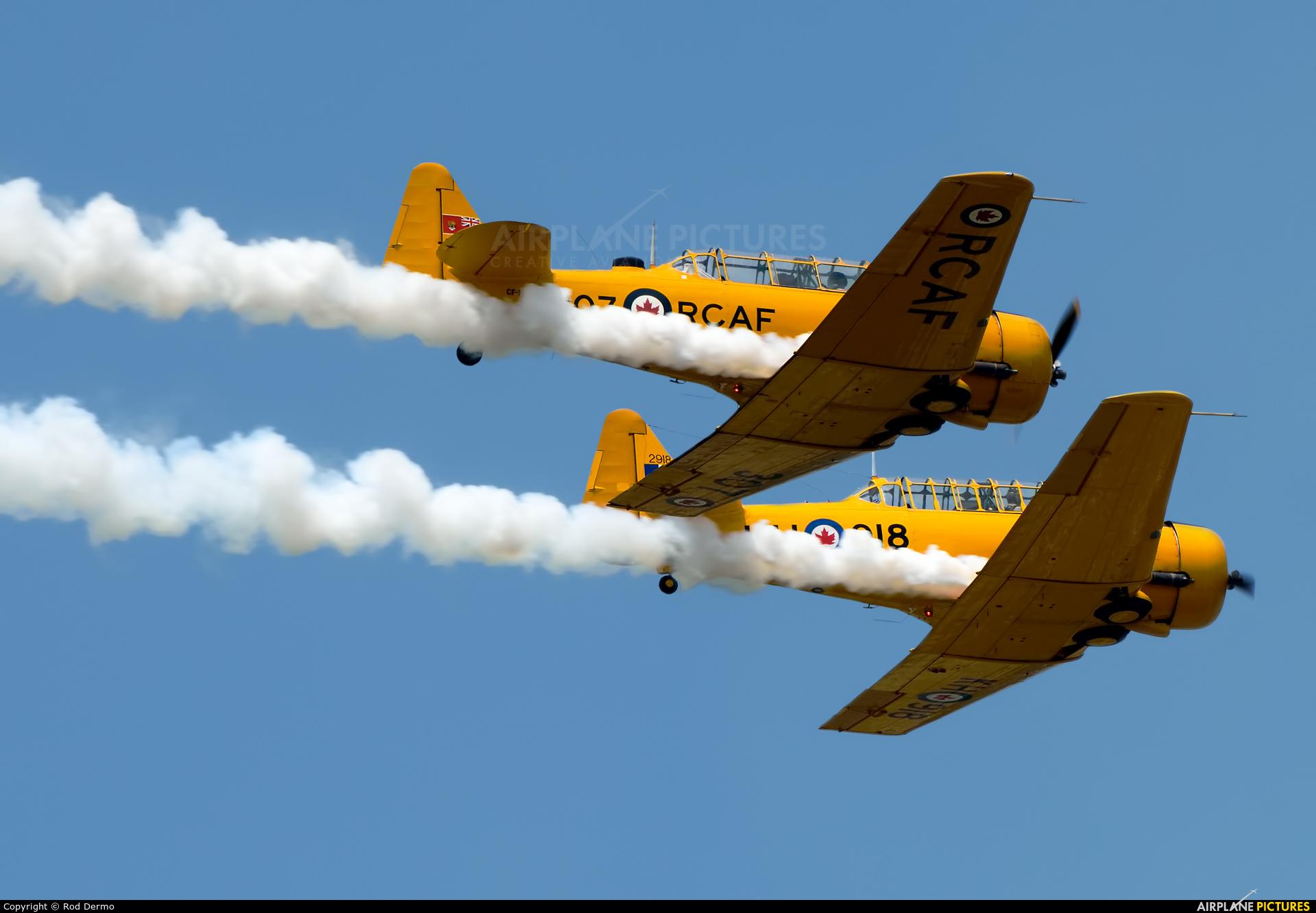 Private C-FNAH aircraft at Battle Creek - W K Kellogg