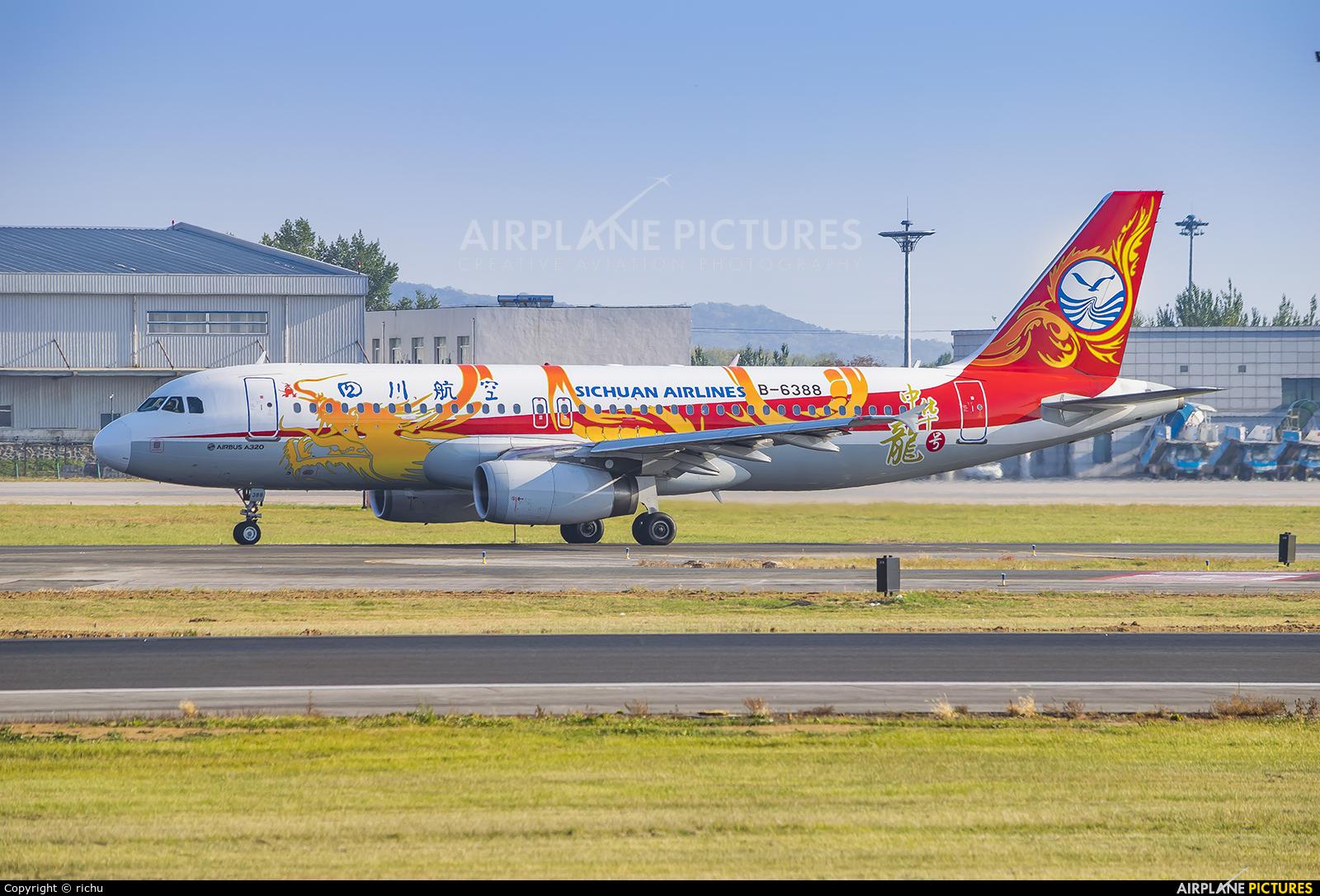 Sichuan Airlines  B-6388 aircraft at Shenyang-Taoxian