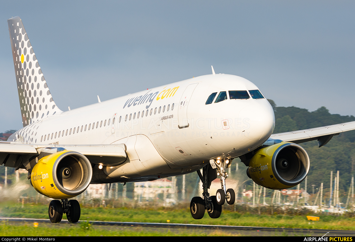 Vueling Airlines EC-MIQ aircraft at San Sebastian