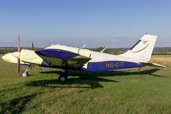 HA-OTI - Private Piper PA-34 Seneca