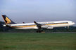 Singapore Airlines - Airbus A340-300 9V-SJM