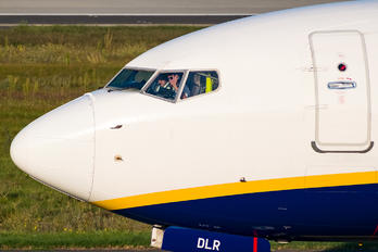 EI-DLR - Ryanair Boeing 737-800