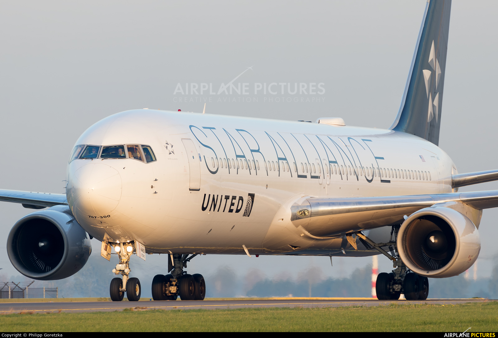 United Airlines N659UA aircraft at Amsterdam - Schiphol