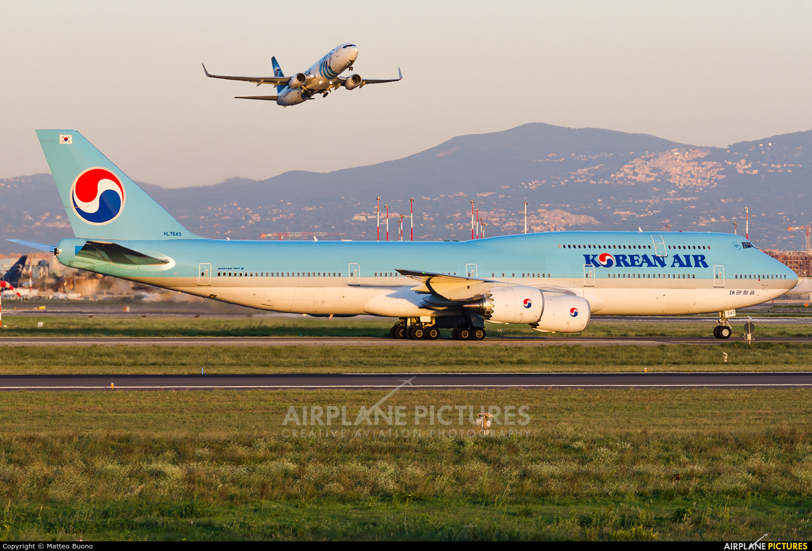 Korean Air HL7643 aircraft at Rome - Fiumicino