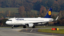 D-AIUJ - Lufthansa Airbus A320 aircraft