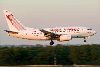 TS-IOR - Tunisair Boeing 737-600