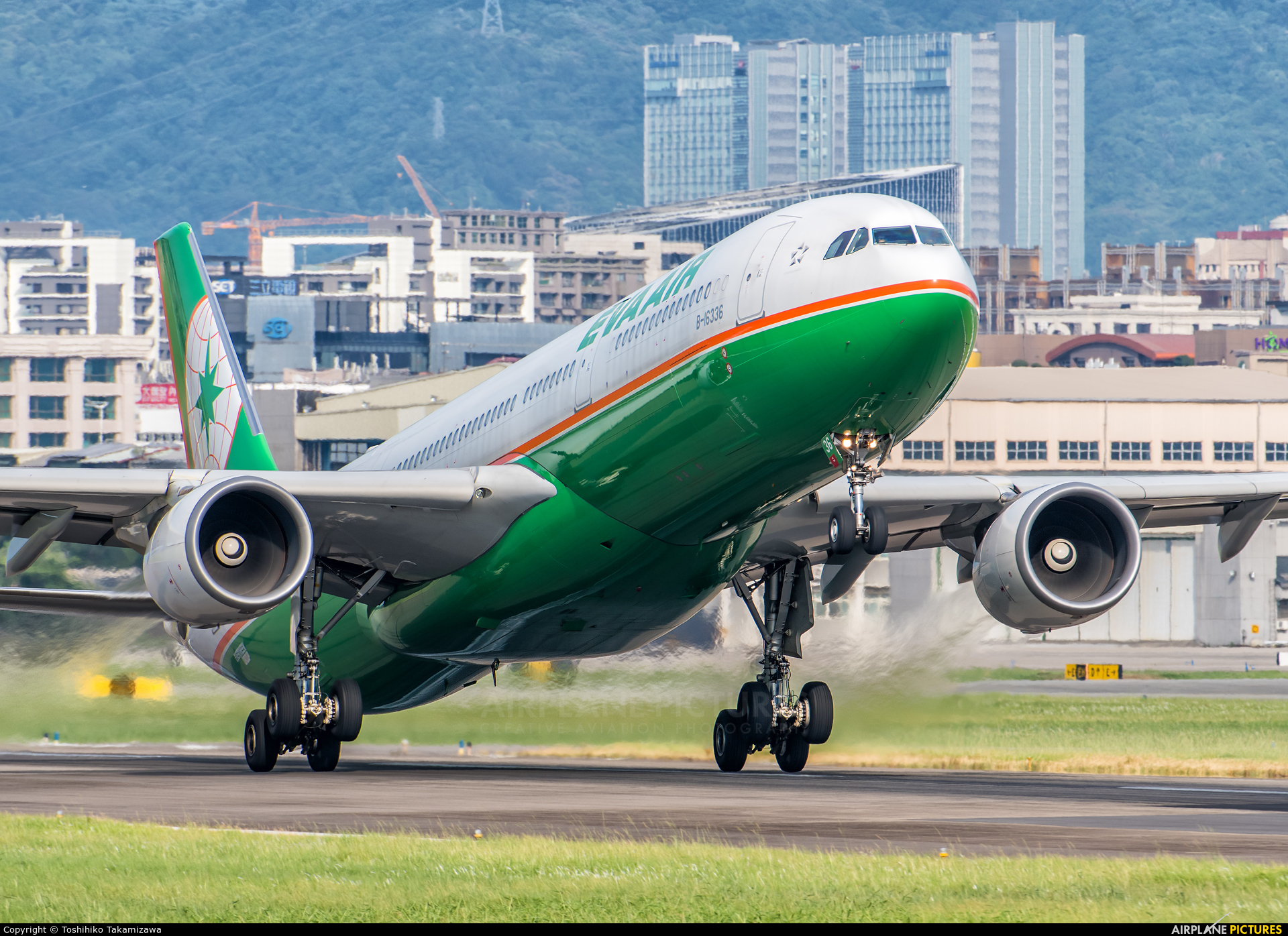 Eva Air B-16336 aircraft at Taipei - Sung Shan