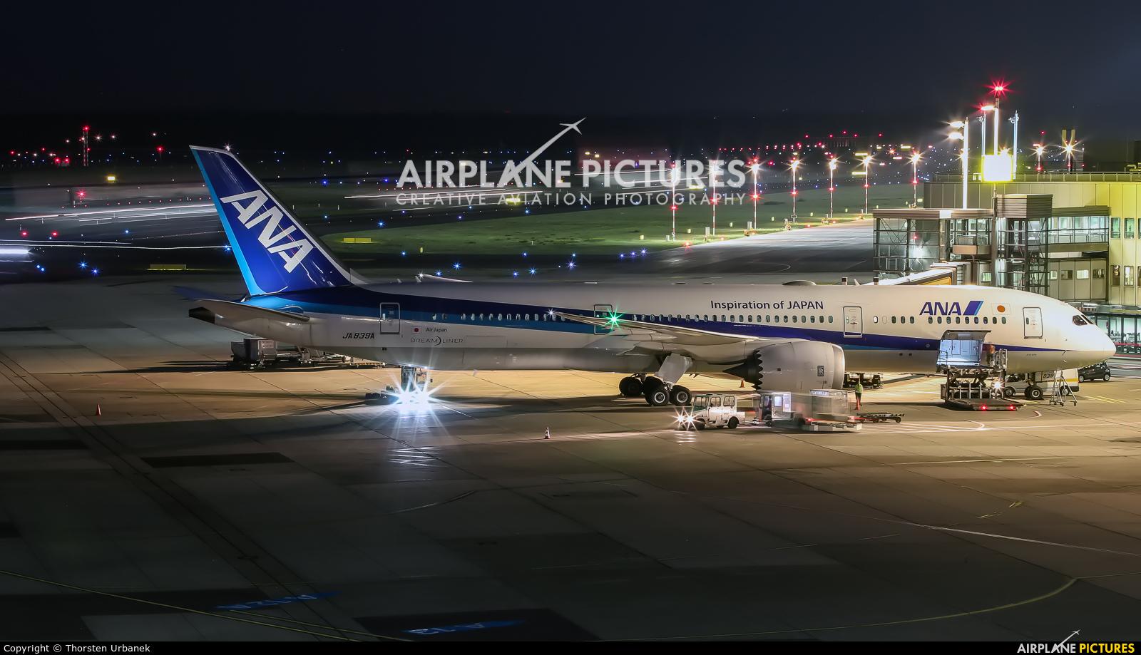 ANA - All Nippon Airways JA839A aircraft at Düsseldorf