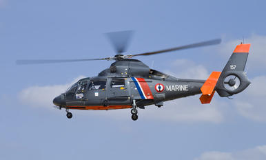 157 - France - Navy Aerospatiale AS365 Dauphin II