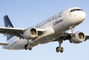 D-AIPC - Lufthansa Airbus A320 aircraft