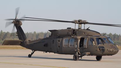 16-20843 - USA - Army Sikorsky H-60L Black hawk