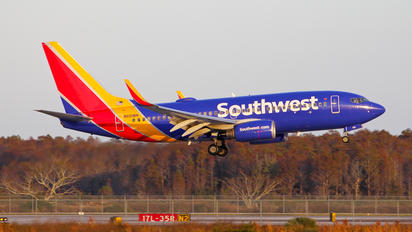 N921WN - Southwest Airlines Boeing 737-700