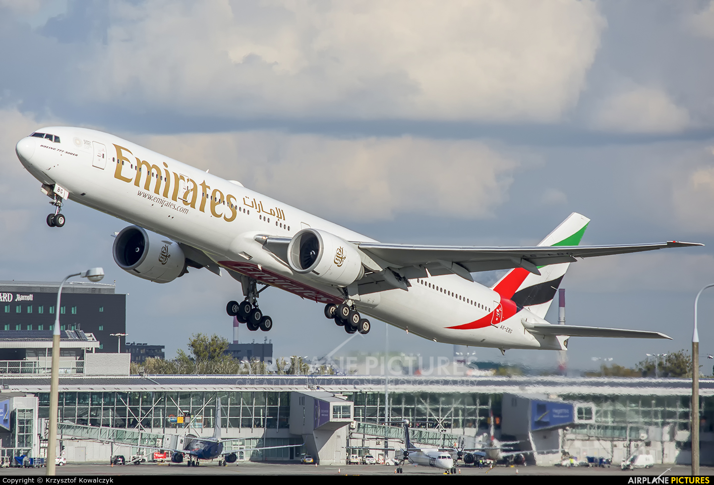 Emirates Airlines A6-EBG aircraft at Warsaw - Frederic Chopin