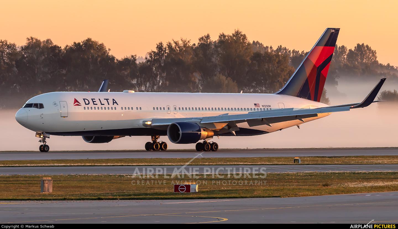 Delta Air Lines N1200K aircraft at Munich