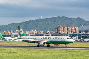B-16203 - Eva Air Airbus A321