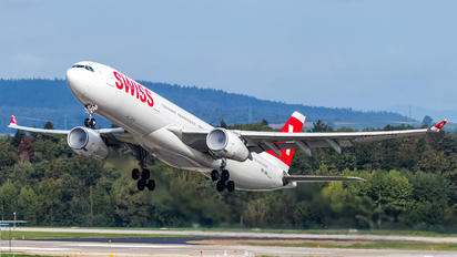 HB-JHA - Swiss Airbus A330-300