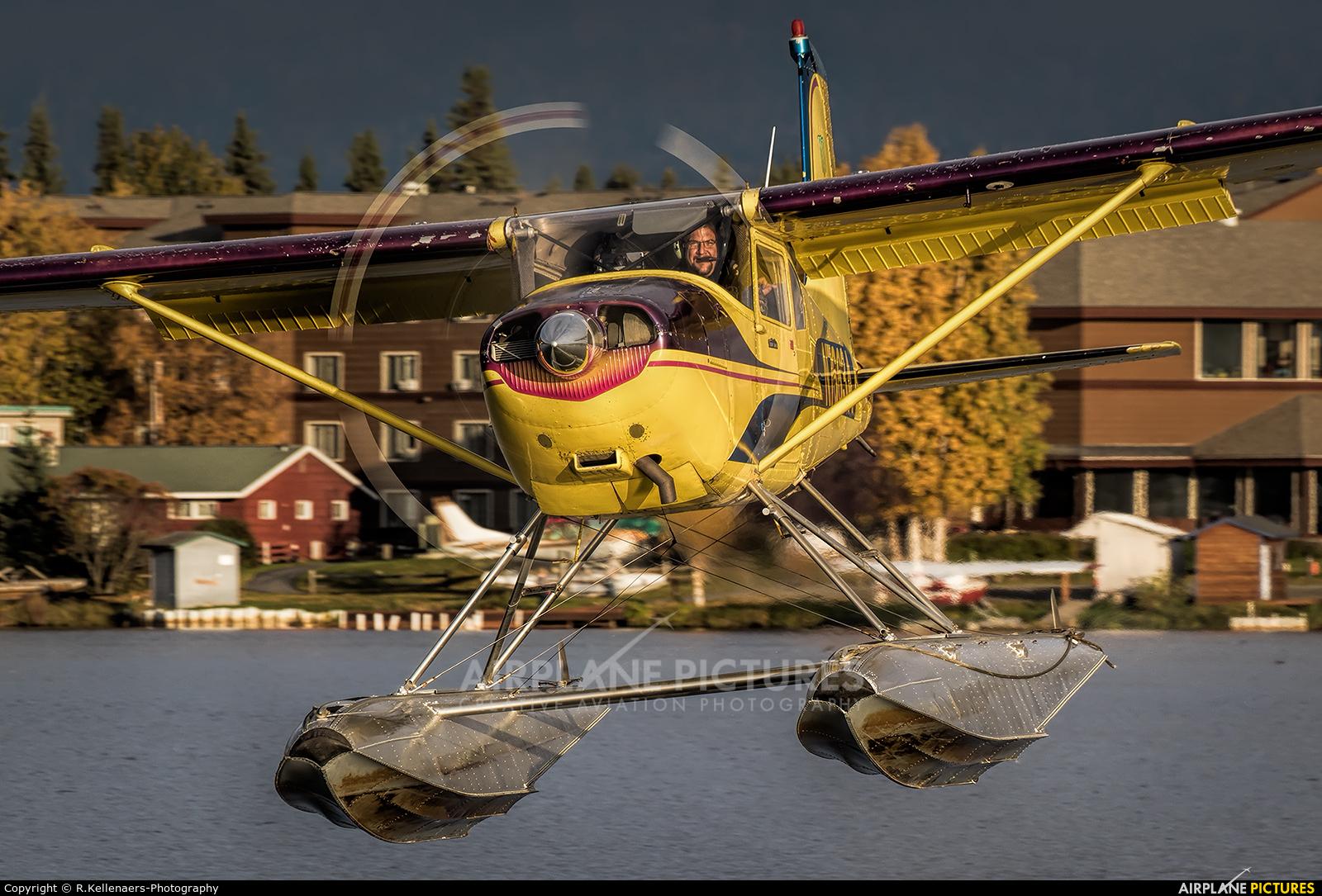Private N7663A aircraft at Anchorage - Lake Hood