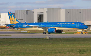 D-AVXR - Vietnam Airlines Airbus A321 NEO