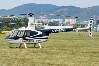HA-MIW - Private Robinson R44 Astro / Raven