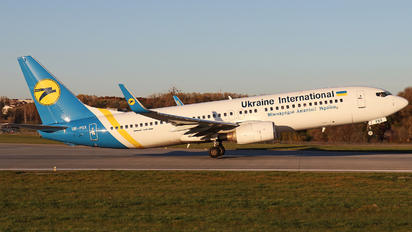 UR-PSX - Ukraine International Airlines Boeing 737-800
