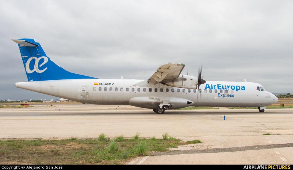 Air Europa EC-MMZ aircraft at Valencia