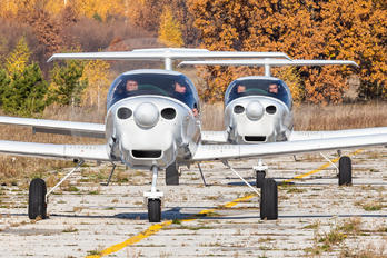 - - Ulyanovsk Higher Civil Aviation School Diamond DA 40 NG Diamond Star