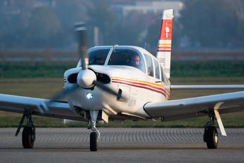 HB-PES - Flugschule Grenchen Piper PA-32 Saratoga