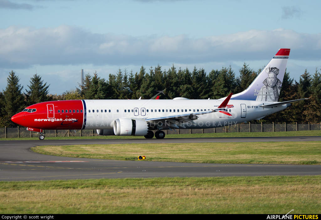 Norwegian Air Shuttle EI-FYH aircraft at Edinburgh