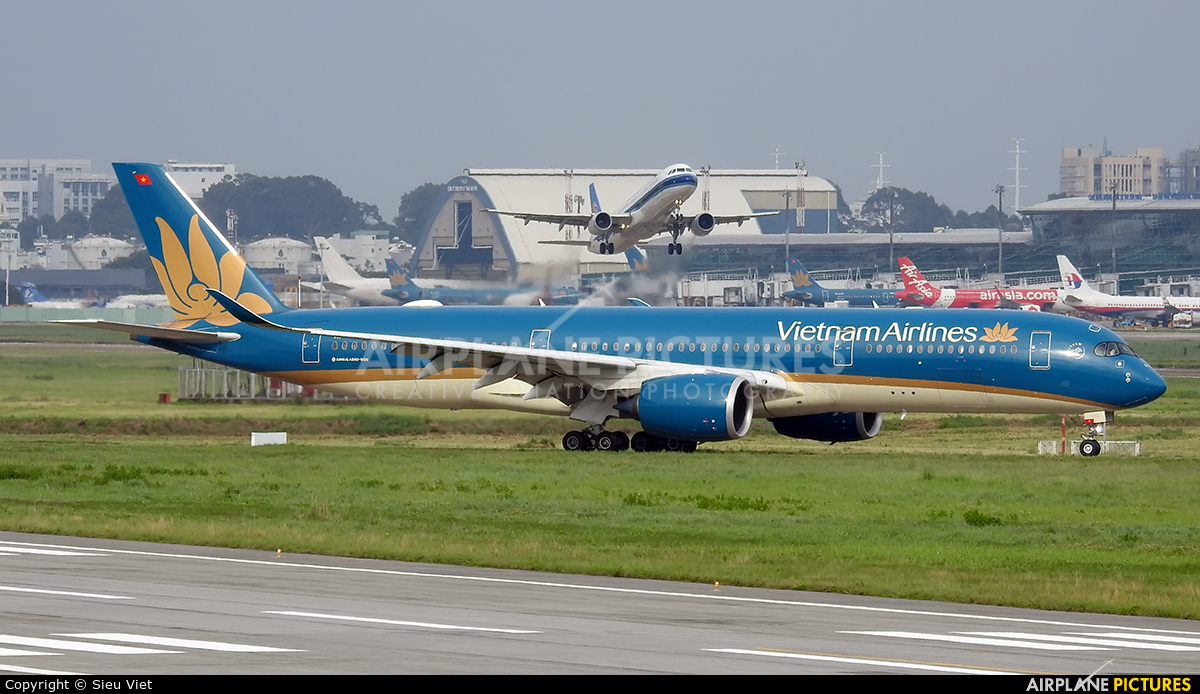 Vietnam Airlines VN-A890 aircraft at Ho Chi Minh City - Tan Son Nhat Intl